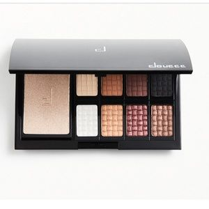 Doucce freematic limited edition eyeshadow palette